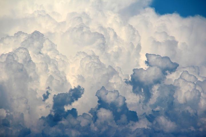 clouds-1473311_960_720