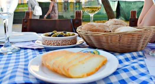 oliven brot