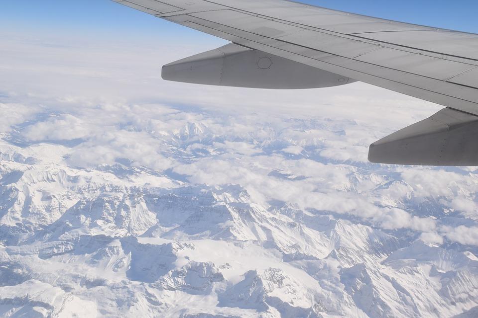 plane-1691960_960_720