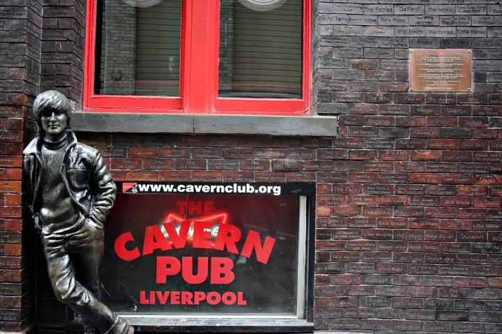 vany visits_liverpool_cavern club