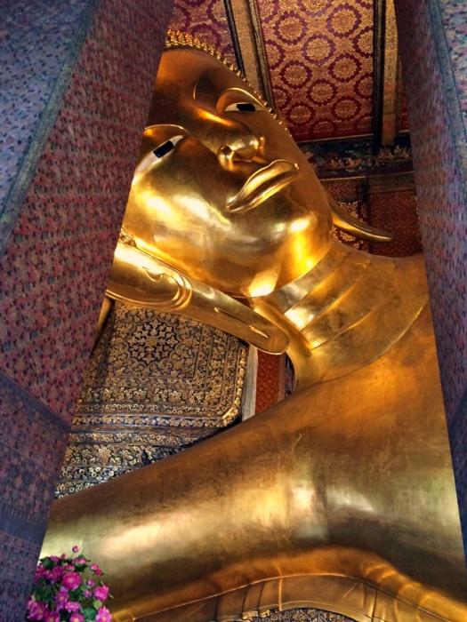 vany visits bangkok buddah wat po