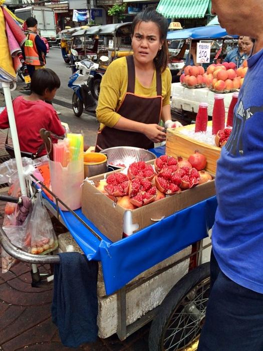 vany visits bangkok china town 2