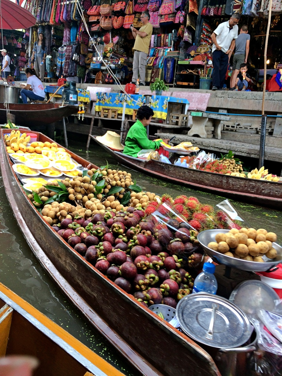 vany visits bangkok floating market 2