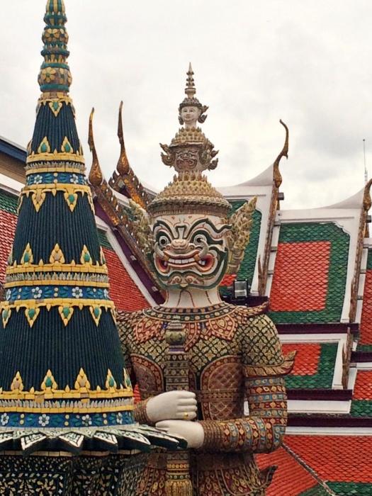 vany visits bangkok königspalast