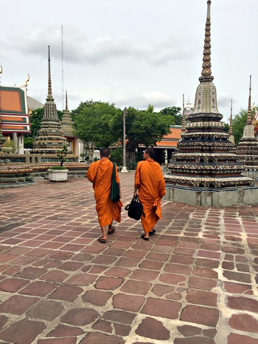 vany visits bangkok mönch