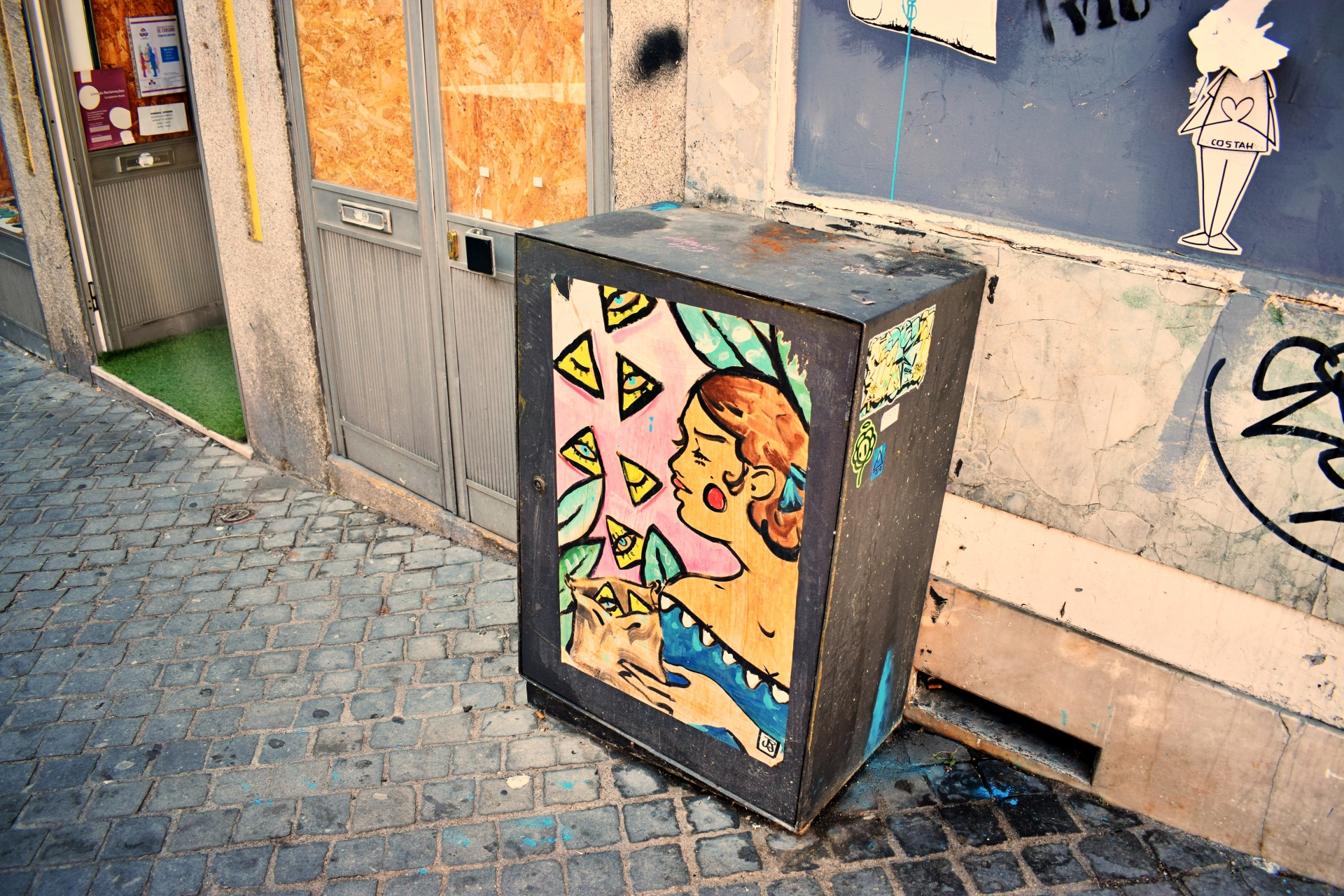 vany visits_streetart_porto_19