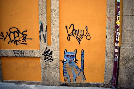 vany visits_streetart_porto_berriblue_10