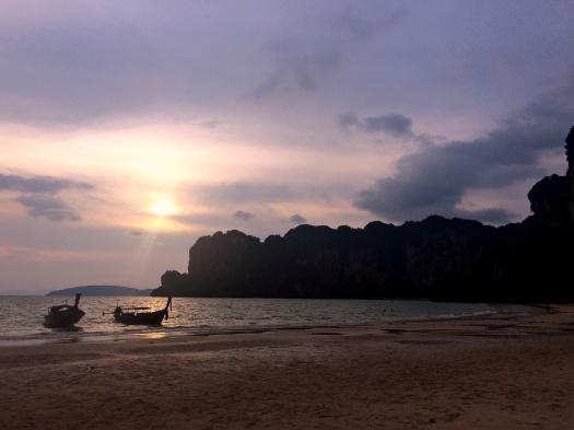 vany visits_railay beach_sonnenuntergang